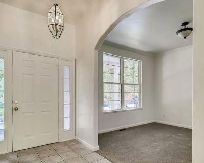 Private room with own bathroom - Lakewood , CO 80214