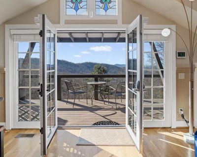 Mountain Cottage Getaway - Asheville