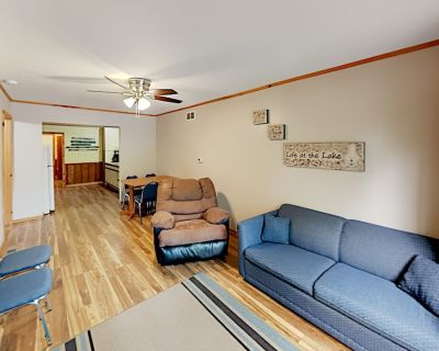 Artilla Cove   Lakefront Cottage   Boat Dock, Hot Tub & Pool   Private Deck - Indian Point