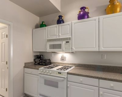Updated 2 Bed, 2 Bath condo w/ 1-car attached garage located in McCormick Ranch! - McCormick Ranch