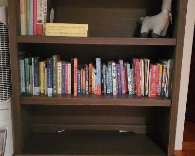 3 Shelf Bookcase/Hutch