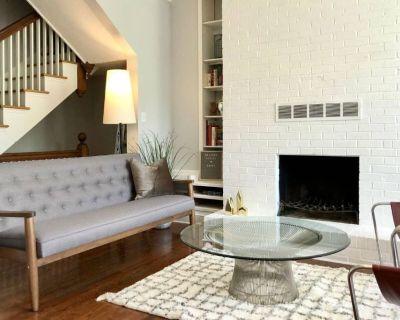 Entire 3-Level Home | Patio | Walk Everywhere | Capitol Hill/H St - H Street Corridor