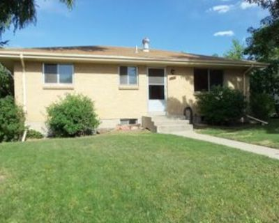 1060 S Briarwood Dr, Lakewood, CO 80226 3 Bedroom House