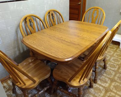 Table with leaf & six chairs