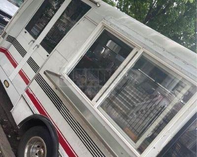 Ford Econoline Cutaway Van Food Truck / Used Street Food Vending Unit
