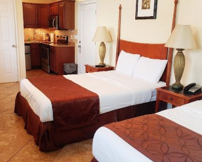 Flamingo Inn is located on Sunny Fort Myers Beach just 100 steps from the beautiful Gulf of Mexico. - Mid Island