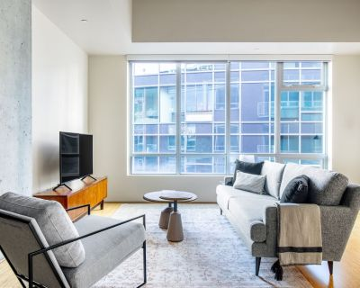 Modern South Lake Union 1BR w/ Gym, Parking, near dining, by Blueground - South Lake Union