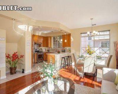 Montecito Way Santa Clara, CA 95035 3 Bedroom Townhouse Rental