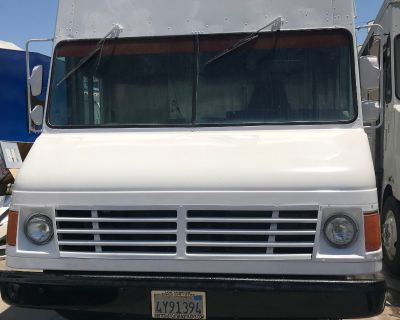 95 Chevy Food Truck for Sale in Los Angeles, CA