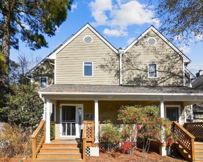 MINI WEEKS OFF SEASON!! Charming beach vacation townhome is just perfect whether you're traveling with family and friends for a holiday trip or just for a long off-season getaway in Bethany Beach! - Bethany Beach