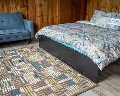 Spacious & Comfy | 5min to Downtown | Royal Beds - Albany