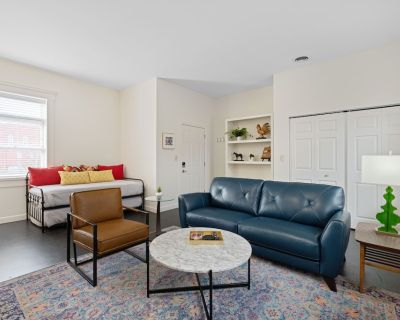 The Kentucky Mule - Chic 1BR Suite Sleep 6 // Stay NULU Marketplace - East Market District