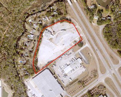 +/- 5,750 of Office Warehouse on Rangeline