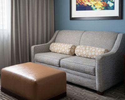 2-Bedroom Suite at Hilton Garden Inn Denver Downtown by Suiteness - Downtown Denver