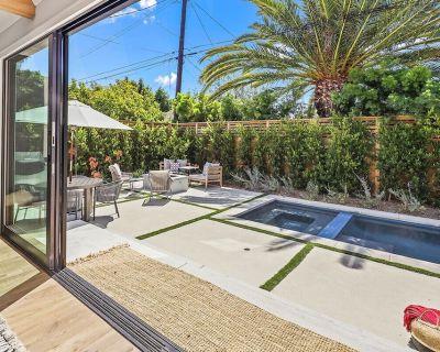 High end designer West LA 4bdrm/4bath modern farmhouse with pool and hot tub! - Mar Vista