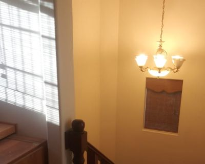 Private room with own bathroom - Whittier , CA 90605