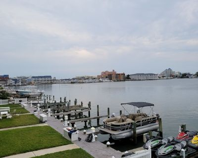 Beautiful waterfront - walking distance to the beach. - Ocean City