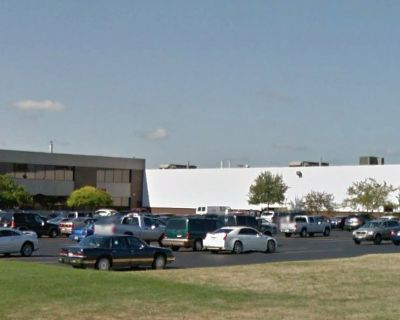 137,362 SF Industrial Bldg. for Sale | 1665 Elmwood Rd., Rockford, IL