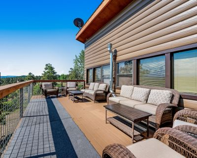 Beautiful Two-Level Home w/Firepit, Free WiFi, Deck, Central AC, & Wood Stove - Pagosa Hills
