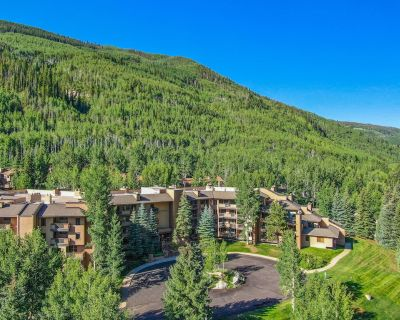 4BR Condo with easy access to Vail Mtn, Vail Golf Club, and great Mountain Views - Vail