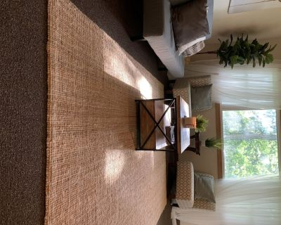 Modern & Cozy Home Away from Home for families, disabled and medical personnel - Wauwatosa