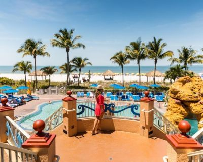 BEACH STAY! 2 FANTASTIC 2BR APARTMENTS, POOL, GYM, PARKING - Fort Myers Beach