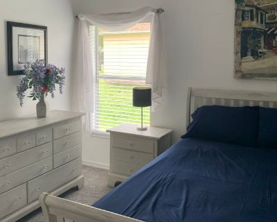 Private room with own bathroom - Cape Coral , FL 33909