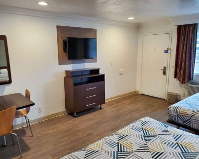 Studio 6 National City, CA - Naval Base San Diego - National City