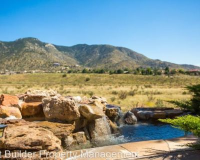 5312 High Canyon Trail NE