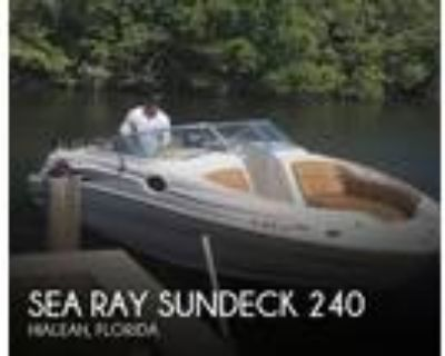 24 foot Sea Ray Sundeck 240