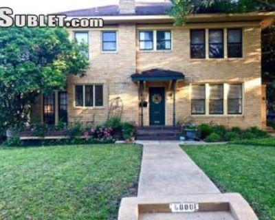 $1150 2 single-family home in Dallas