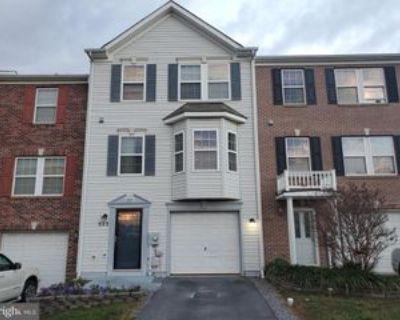 522 Kyle Dr, Martinsburg, WV 25401 3 Bedroom Apartment