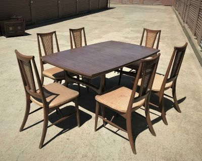 Mid Century Modern Dining Table, Laminate Top, Leaf. 6 Cane Back Chairs.