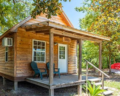 Cozy Waterfront Cabin overlooking Red Creek! - Perkinston