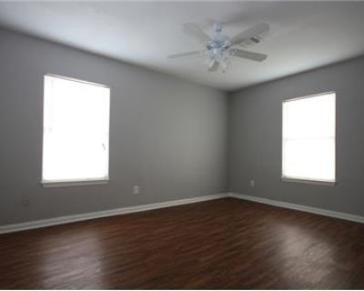 2 bedrooms Duplex/Triplex - Spacious updated historic duplex/home close to downtown.