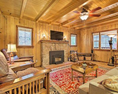 Vintage 'Snow White' Cottage ~ 2 Miles to Village! - Arrowhead Villas