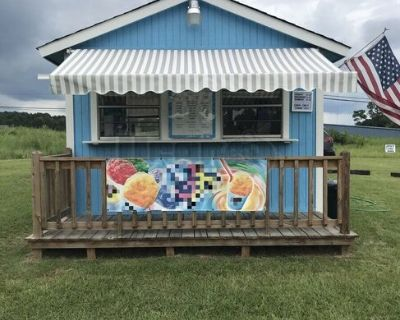 2015 8' x 12' Snowball Concession Stand / Turnkey Shaved Ice Building