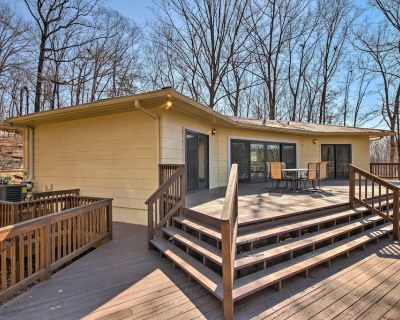 Lake Lanier Home w/ Dock, Boat Parking, & Grill! - Gainesville