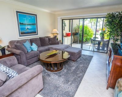 Siesta Dunes #2-108 - Renovated 2 Bed / 2 Bath, Perfect Walk-out Location Steps To Hot Tub and - Siesta Key