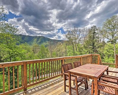 NEW! Beautiful A-Frame Cabin w/ Smoky Mtn Views! - Townsend