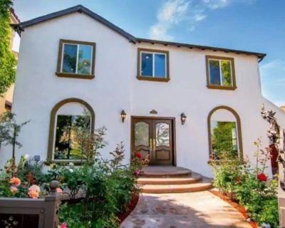 Short/Long Term 4 Bed/3 Bath House byBeverly Hills - Beverly Grove