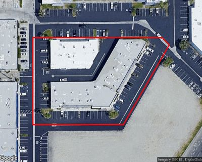 high visability 1200 sq ft office/ warehouse
