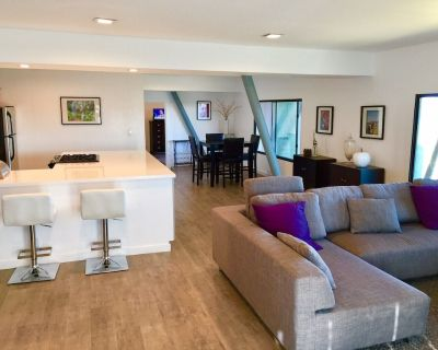 Sky House in Hollywood Hills - Hollywood Hills West