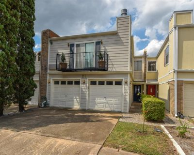 20 Townhouse Court, Bellaire, TX 77401