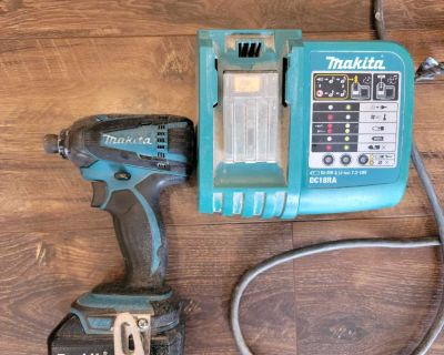 Makita impact with battery and charger