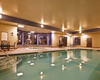 Free Buffet Breakfast, Pool, Hot Tub, Business Center +Gym - Novi