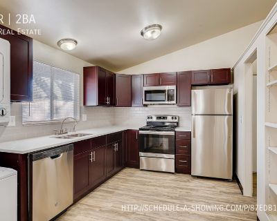 Beautifully Renovated 2BR 1BA in Littleton W/Hardwood Floors/Pool/New Privacy Fence and Windows!