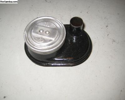 Type one oil fill W/cap and retainer part