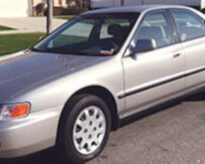 Honda Accord Sedan 1996 V6, 31K mi. Excellent cond. $4,000