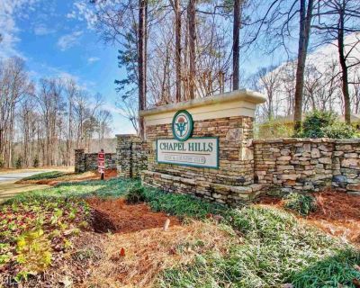 Golf and Country Club Community Basement Guest Home - Douglasville